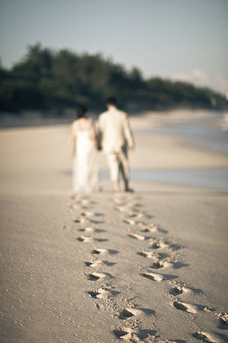 Creative Beach Wedding Photoshoot Ideas
