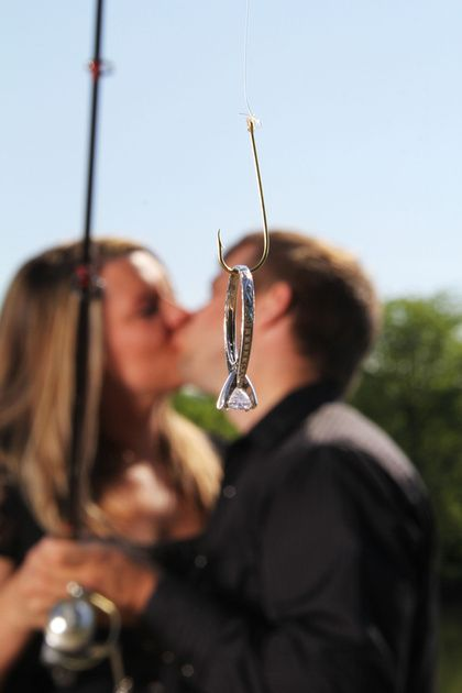 Great wedding proposal photo ideas fishing hook ring shot
