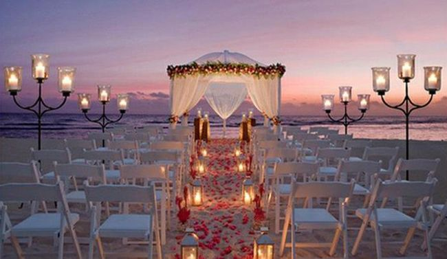 25 Dreamy and Creative Beach Wedding Ideas!