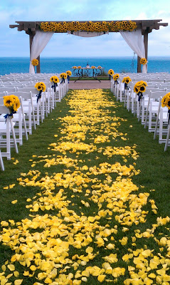 Sunflower Wedding. Really Like the aisle and alter