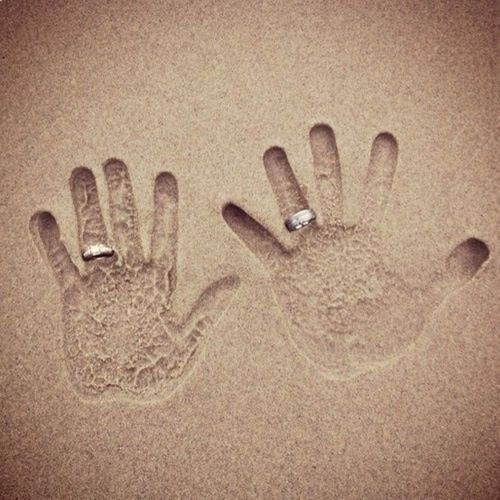 25 dreamy and creative beach wedding ideas beach wedding photo ideas junglespirit Image collections