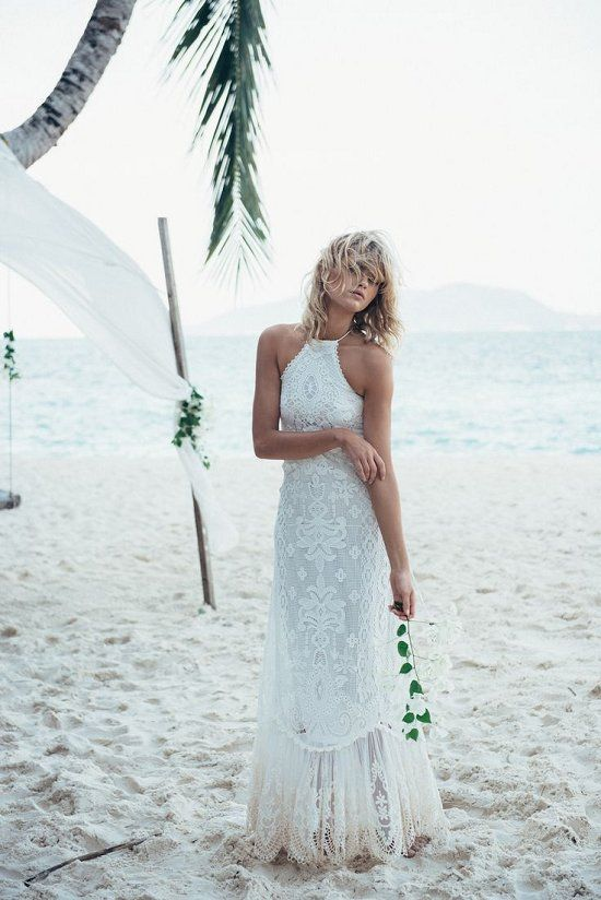 Top 22 beach wedding dresses ideas to stand you out for Halter wedding dresses beach