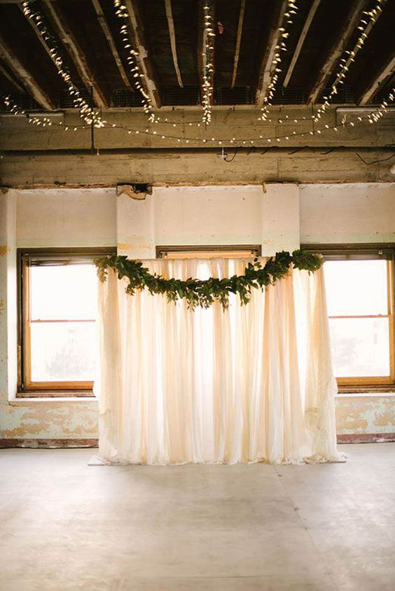 Beautiful and easy DIY wedding backdrops