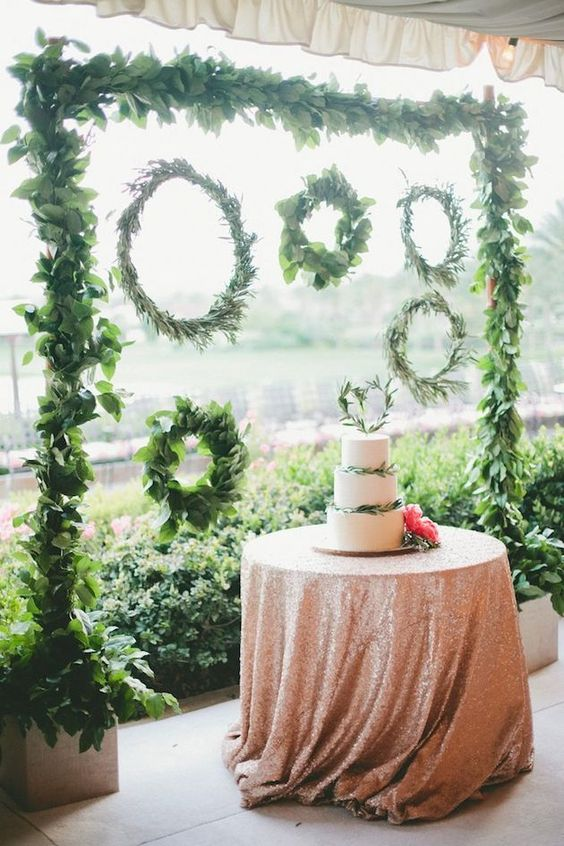 Greenery Wedding Wreaths and cake ideas