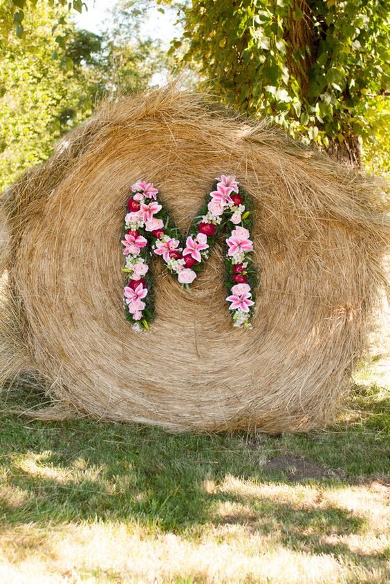 Haybale Monogram Wedding Sign Ideas