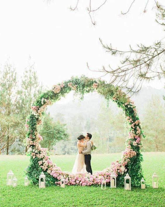 Diy Wedding Arch With Sunflowers: Top 22 Greenery DIY Wedding Wreath Ideas Worth Stealing