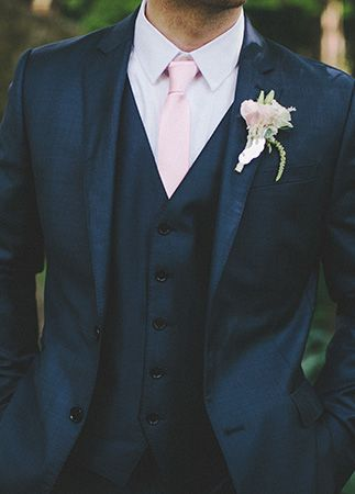 Old Hollywood Meets Great Gatsby Wedding With Peach Boutonniere