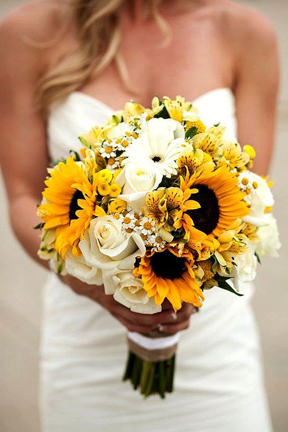Prettiest Small Wedding Bouquets to Have and to Hold