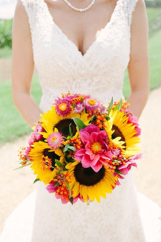21 Perfect Sunflower Wedding Bouquet Ideas for Summer Wedding