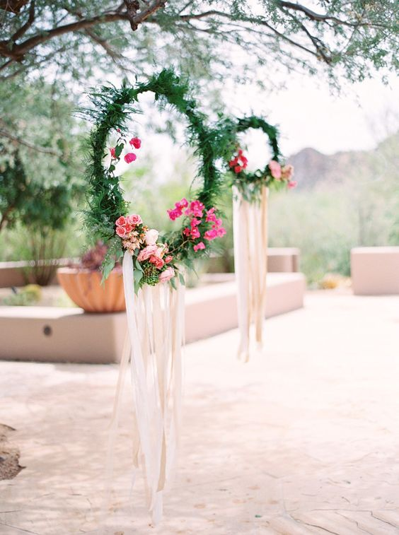These wreaths would be a great DIY project idea