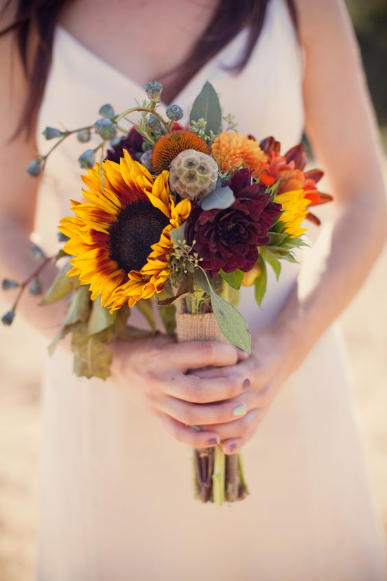 burlap and sunflower wedding bouquets