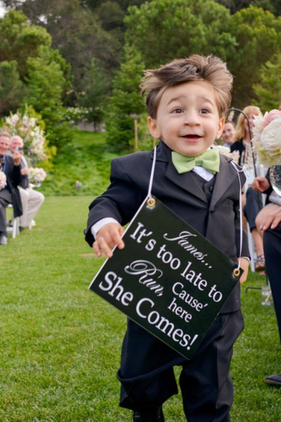 Awesome wedding ring bearer sign ideas so that everyone is open mouth