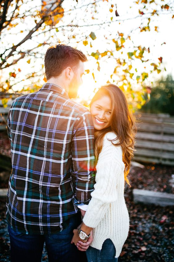 Cozy couple engagement photo ideas