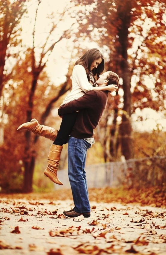 23 Creative Fall Engagement Photo Shoots Ideas I Should've ...
