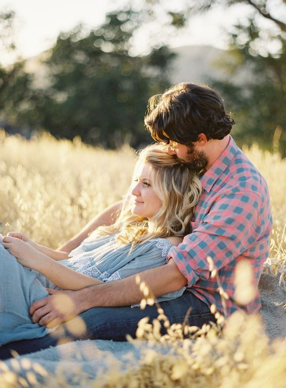 23 Creative Fall Engagement Photo Shoots Ideas I Should Ve