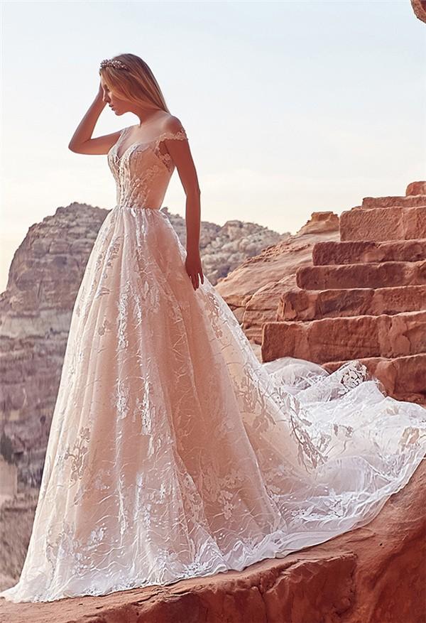 Oksana Mukha 2018 Wedding Dresses Collection - aura