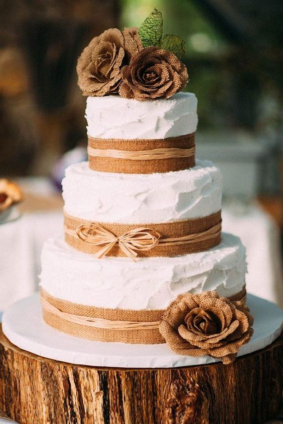 Rustic Country themed Burlap Wedding Cake