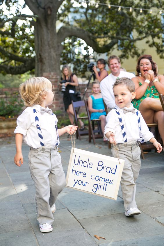 These ring bearers sign ideas are so adorably