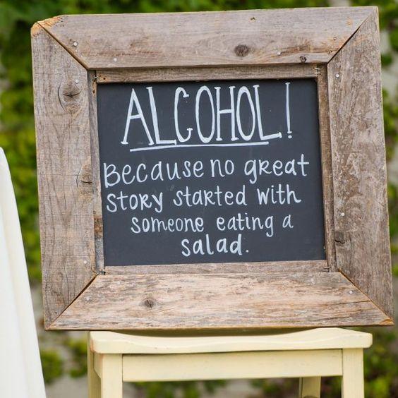 Vintage photo frame wedding sign ideas