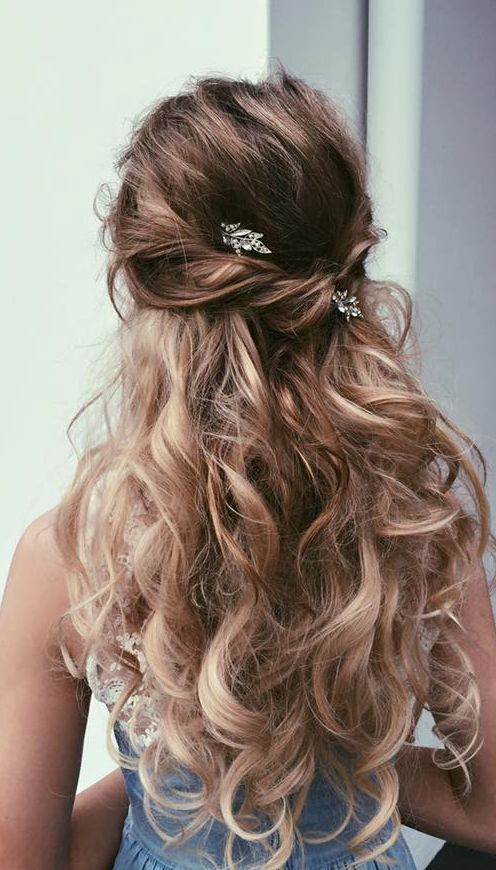 Wedding hairstyle idea Featured by Ulyana Aster