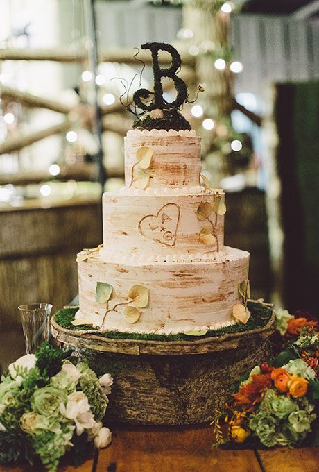 Wonderful birch rustic wedding cake
