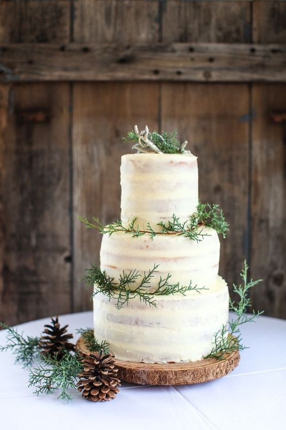 rustic wedding cakes with winter touches