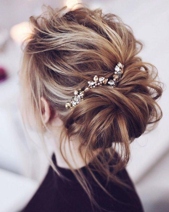 24 Lovely Medium Length Hairstyles For 2019 Weddings