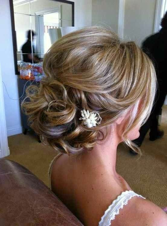 24 Lovely Medium Length Hairstyles For 2018 Weddings