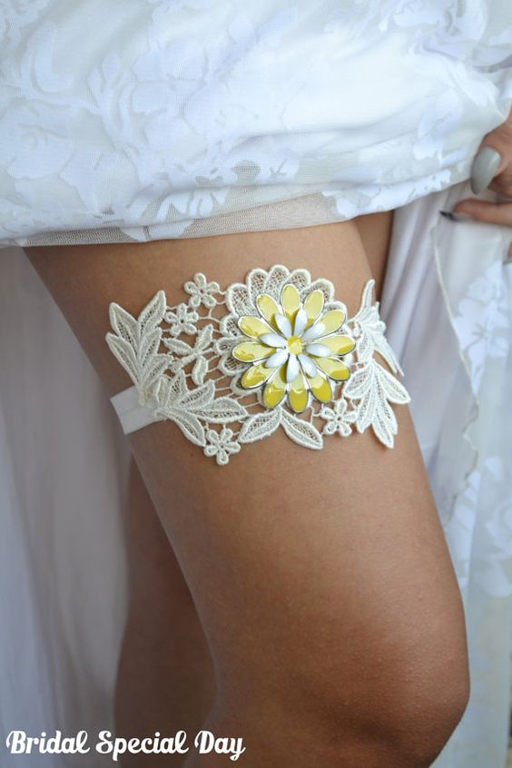 Lace Wedding Garter Yellow