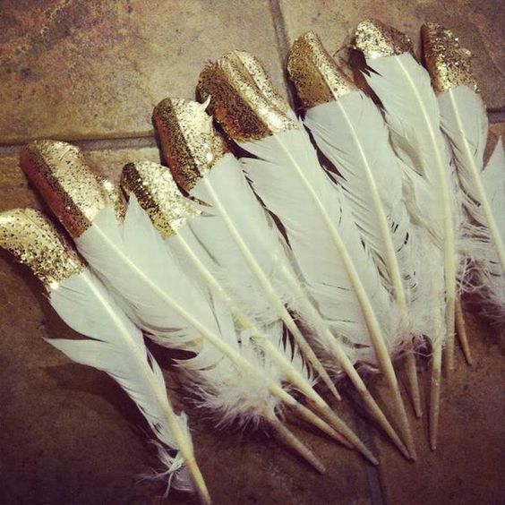 The Great Gatsby DIY feature vintage wedding decorations