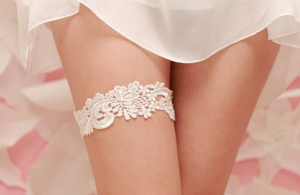 Wedding Garter Ivory Venise Lace