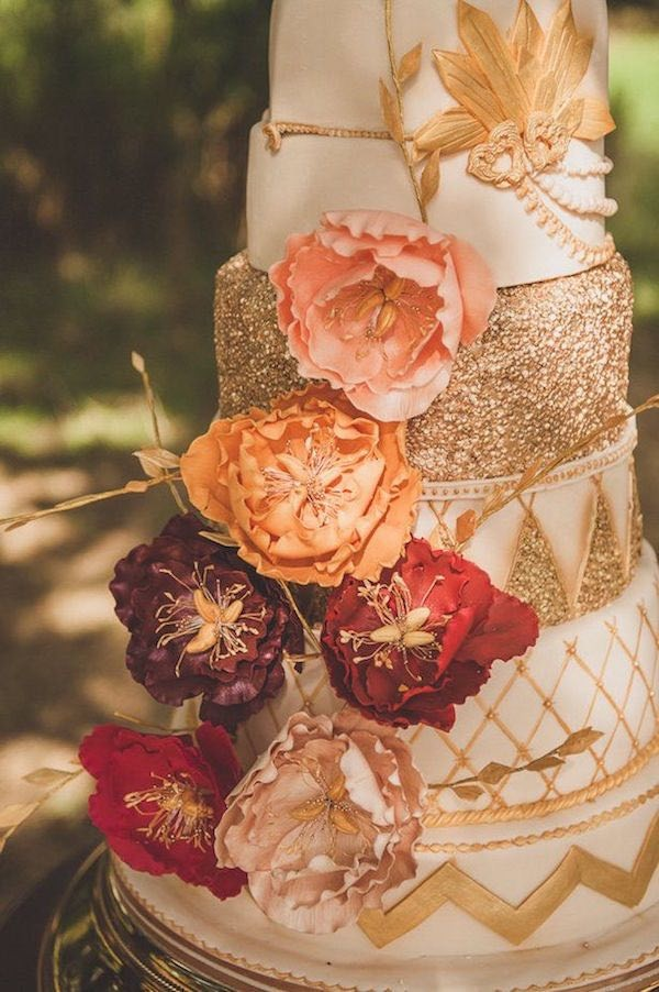 gold and burgundy fall wedding cakes with glittery