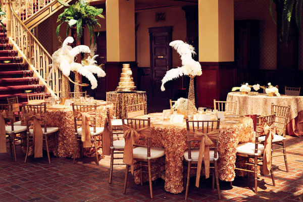 25 black and gold great gatsby inspired wedding ideas junglespirit Image collections