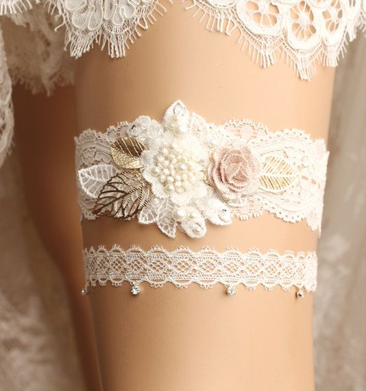 wedding garter set by GadaByGrace