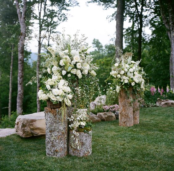 Best Rustic Ideas For Your Wedding: 22 Rustic Backyard Wedding Decoration Ideas On A Budget