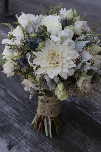 Dusty blue and white Combinacion wedding bouquet