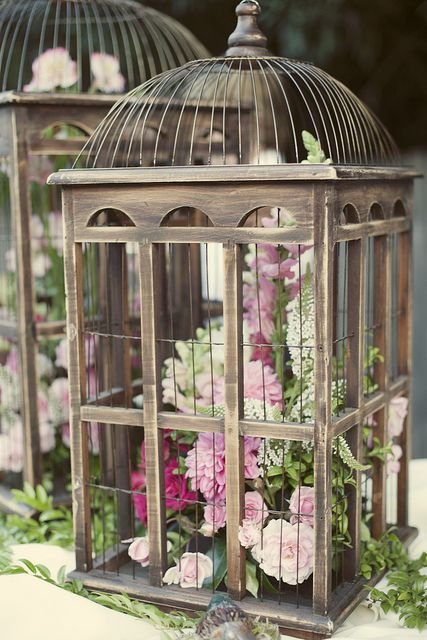 beautifully designed metal birdcage wedding centerpieces
