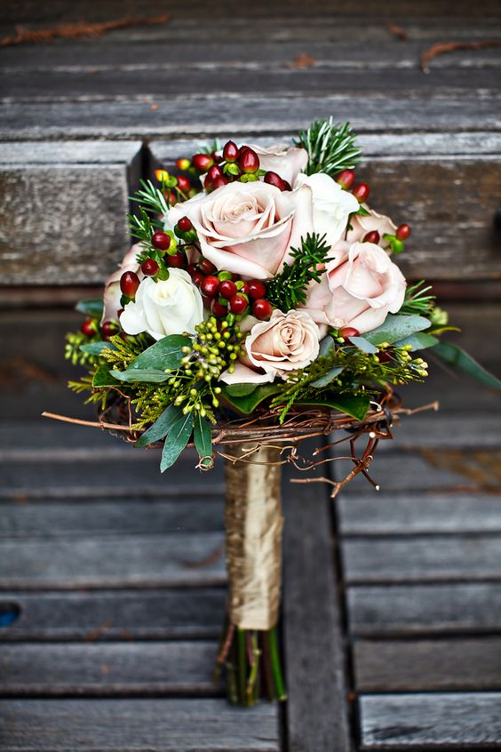 contrasting beautiful winter wedding bouquet