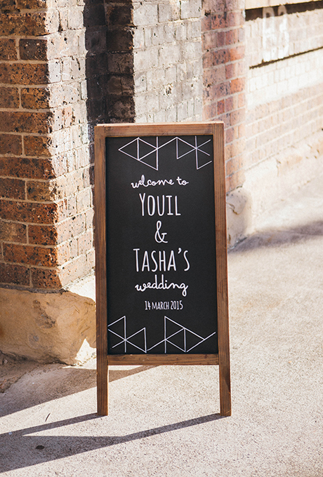creative simple wedding welcome sign