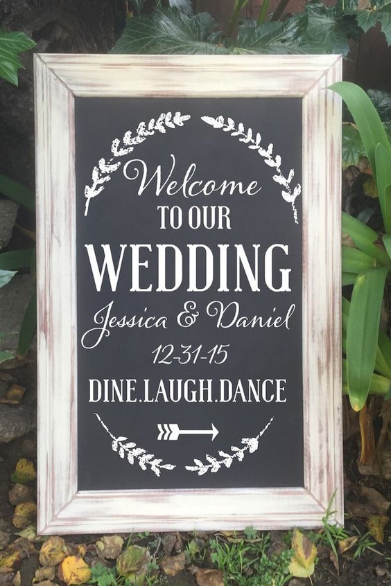 http://www.weddinginclude.com/wp-content/uploads/2017/08/elegant-chalkborad-wedding-wlcome-sign.jpg