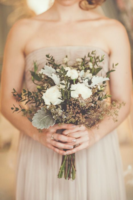 get inspired by the chic and elegant fall wedding bpuquets