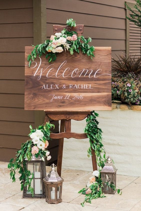 gorgeous chic wedding welcome sign
