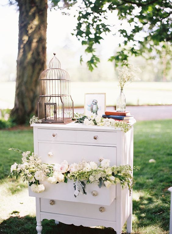 lovely and unique birdcage wedding decorations