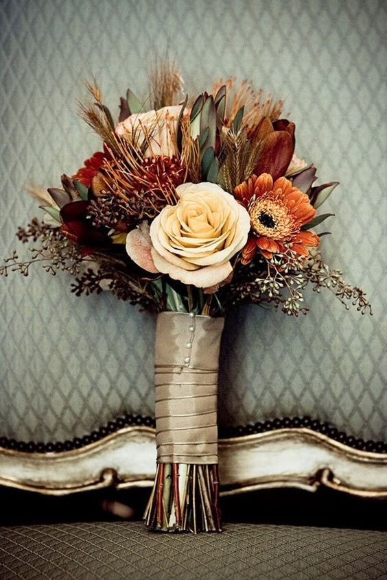 luxury champagne fall wedding bouquets
