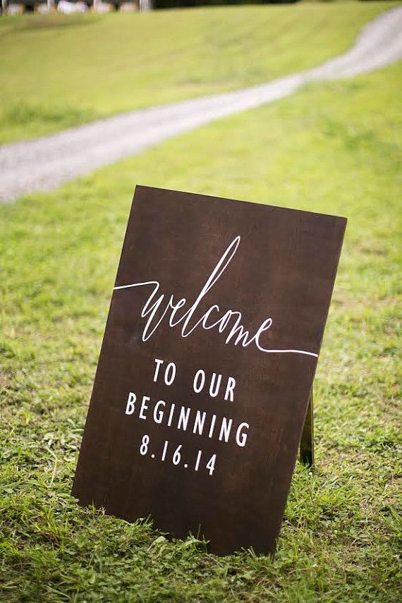 simple outdoor wedding sign