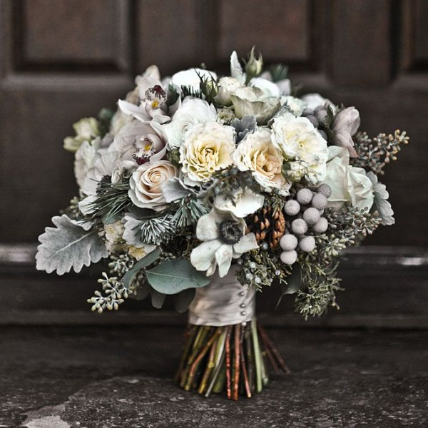 simple yet chic ideal winter wedding flowers