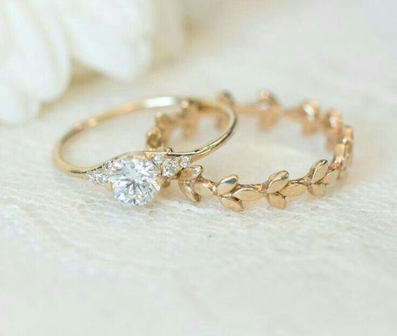stunning simple engagement ring