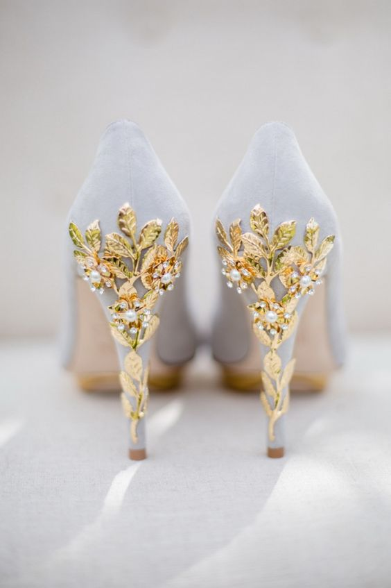 vintage wedding shoes with amazing details