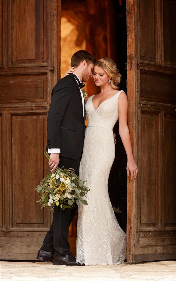 Essense of Australia Fall 2017 Wedding Dress_D2317_01