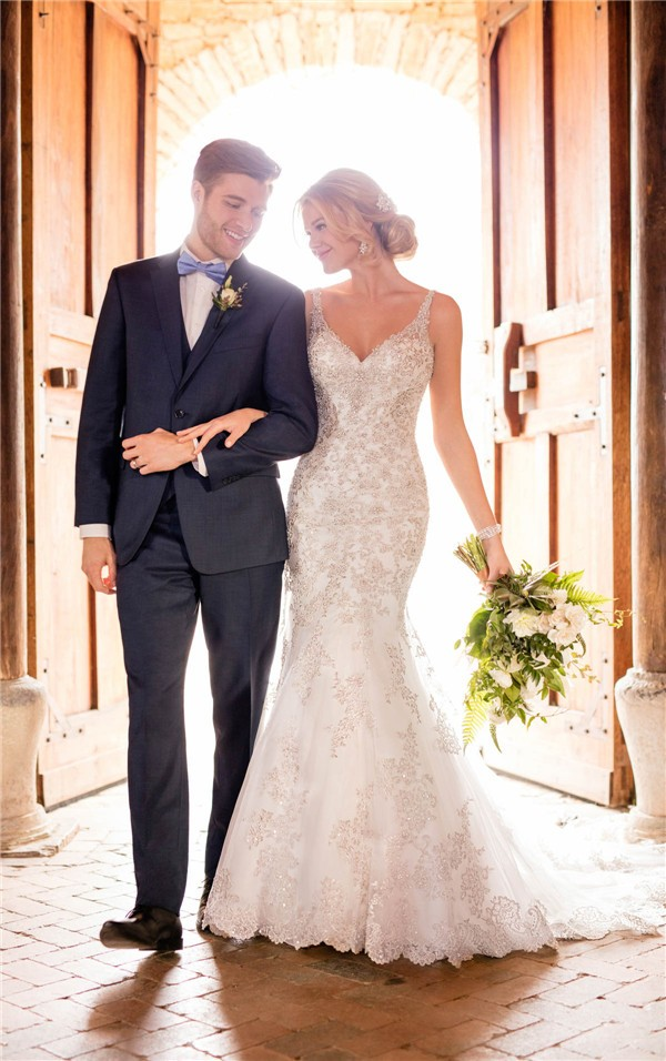 Essense of Australia Fall 2017 Wedding Dress_D2399_01